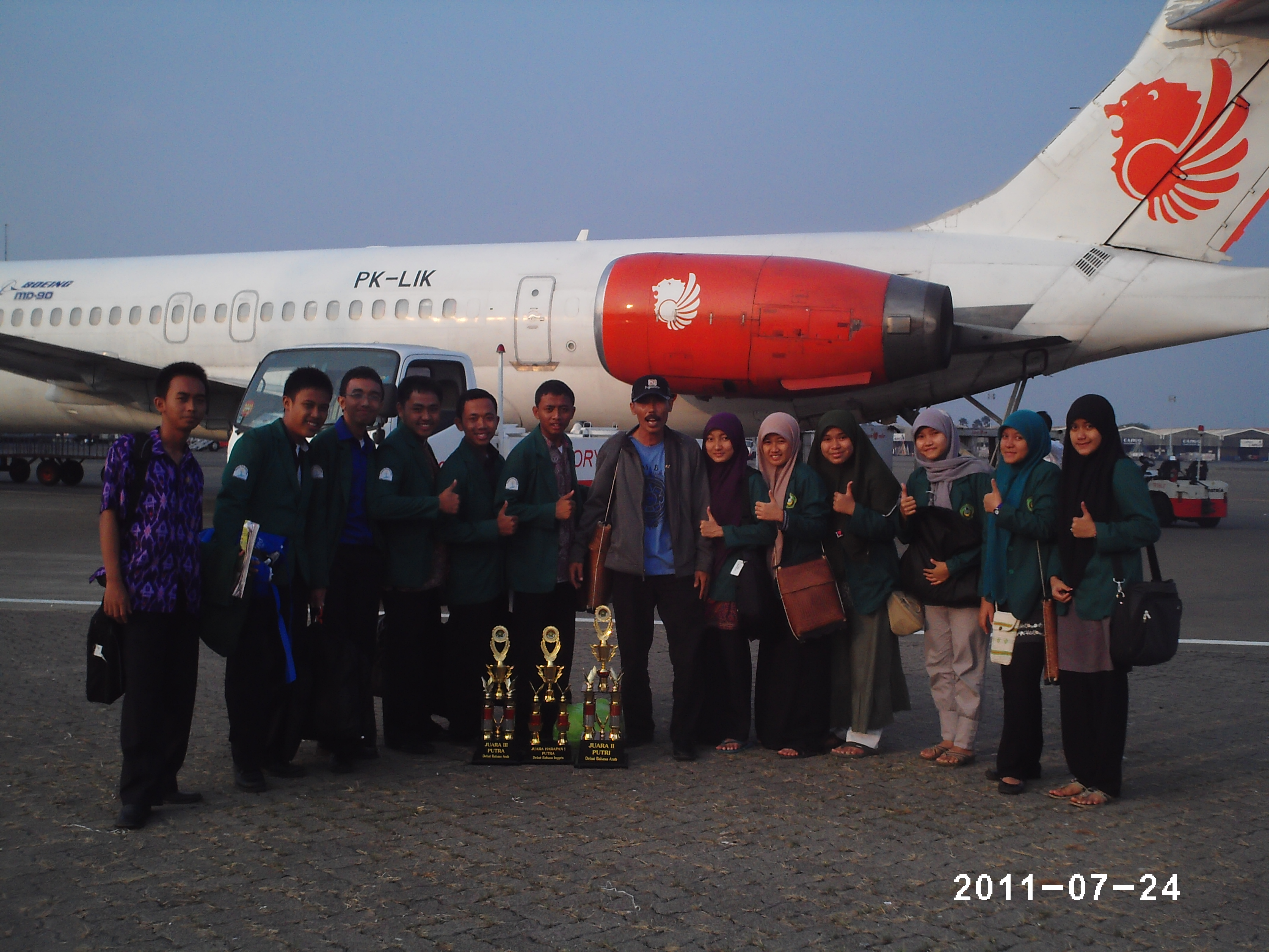 juara-2-lomba-debat-bhs-inggris-arab-lombok.jpg